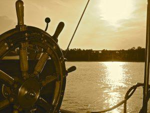boat-2387790_960_720-300x225